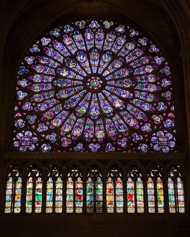 9 Stained_glass_rose_windows_in_Notre-Dame_de_Paris,_October_2012