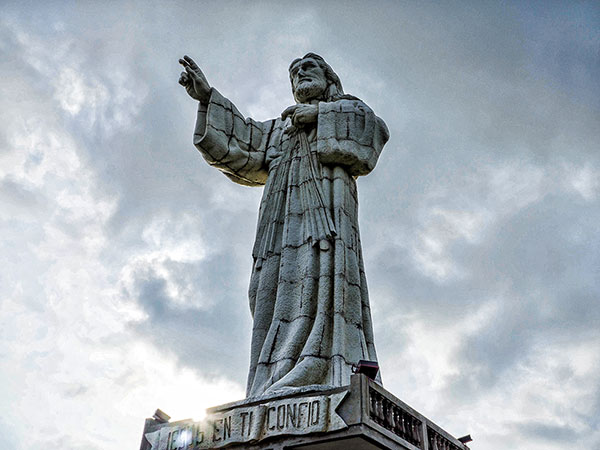 christ-of-the-mercy-statue